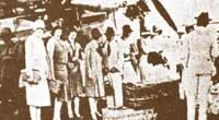 Photo of Singapore's first commercial flight which arrived in 1930.